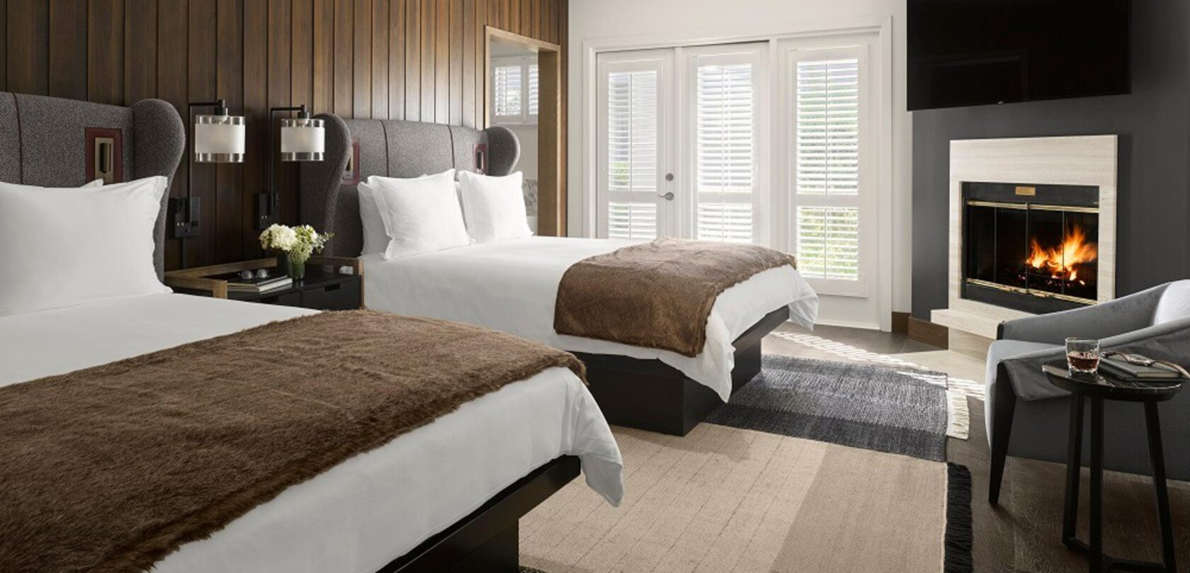 two beds in a hotel villagio bedroom