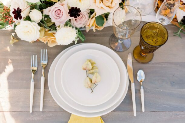 wedding plate setting with flowers
